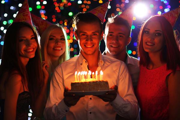 Stripperin für Geburtstag buchen » Chantal-Strip.com