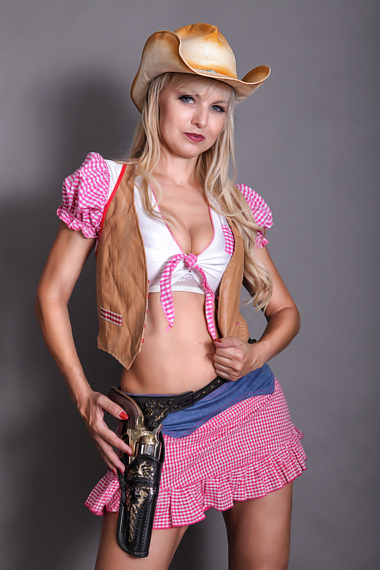 Partystrip als Western Girl - Chantal-Strip.com