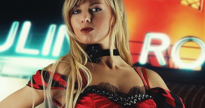 Burlesque Striptease - Chantal-Strip.com